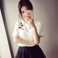 纯色刺绣修身半袖T恤