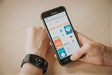 三星(SAMSUNG) Gear Fit 2 智能手环 IP68防水 内置GPS 光学心率计